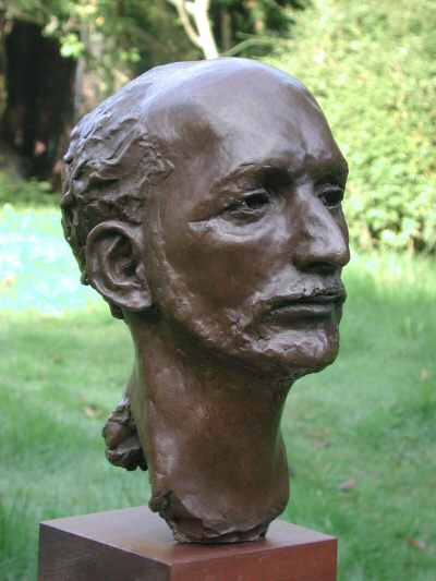 The Actor bust in bronze - three quarter view